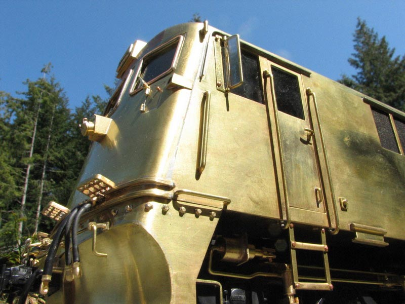 Railfan and Modeler does White Pass GEs in G-Scale | White
