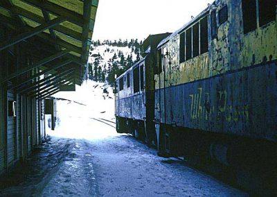 Two GE's standing at Bennett station. Location:Bennett. Milepost:MP46.6. Date:27846
